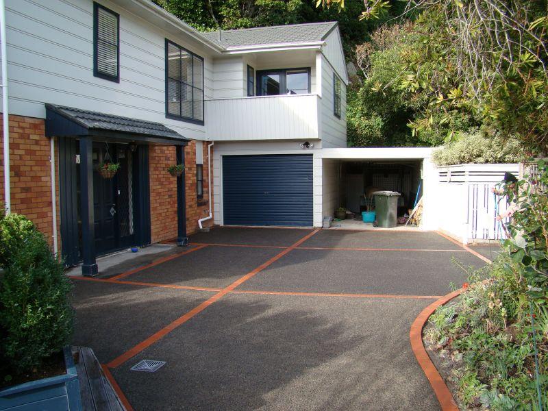 Driveway with Brick Inlay
