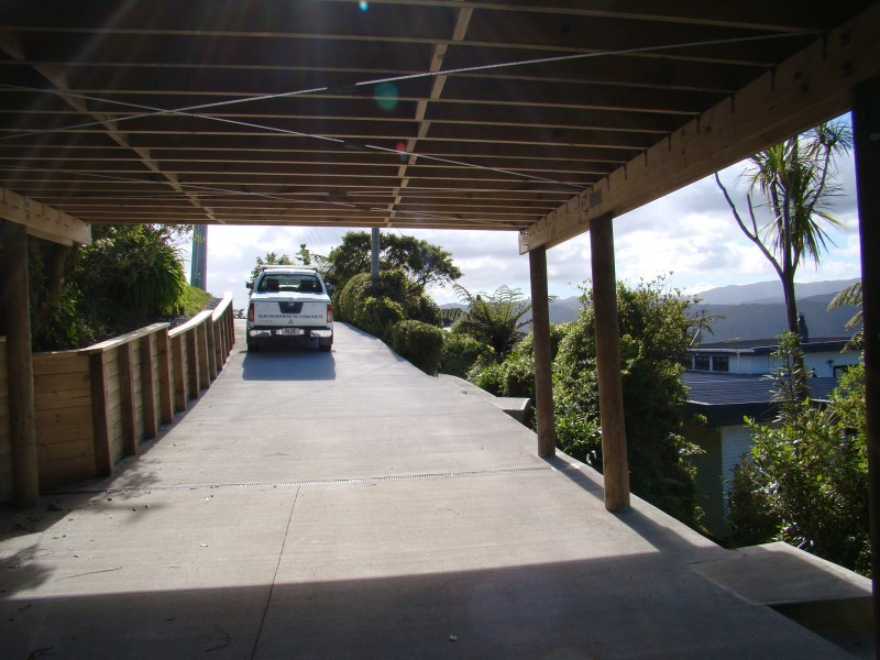 Driveway with timber features